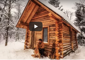 Man builds entire log cabin with hand tools